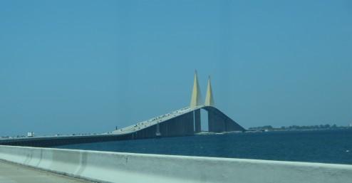 Verbindet Terra Ceia mit St. Petersburg: Die knapp 9 Kilometer lange Sunshine Skyway Bridge