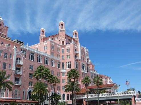 Eines der Wahrzeichen von St. Petersburg: Das bonbonfarbene Don Cesar Beach Resort Hotel