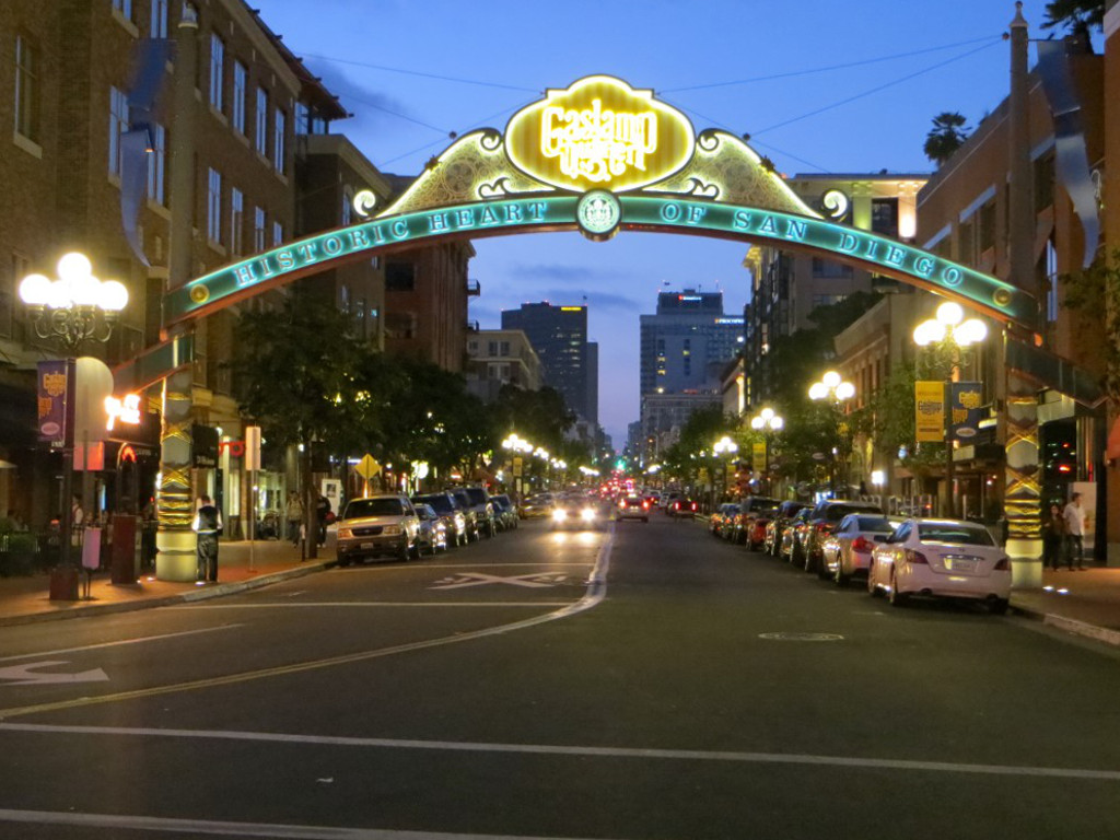 """Vom """"Ausziehzentrum"""" zum """"Ausgehzentrum"""": Das """"Gaslamp Quarter"""" hat sich vomRotlichtzbezirk zum Zentrum der Restaurant- und Kneipenszene entwickelt"""