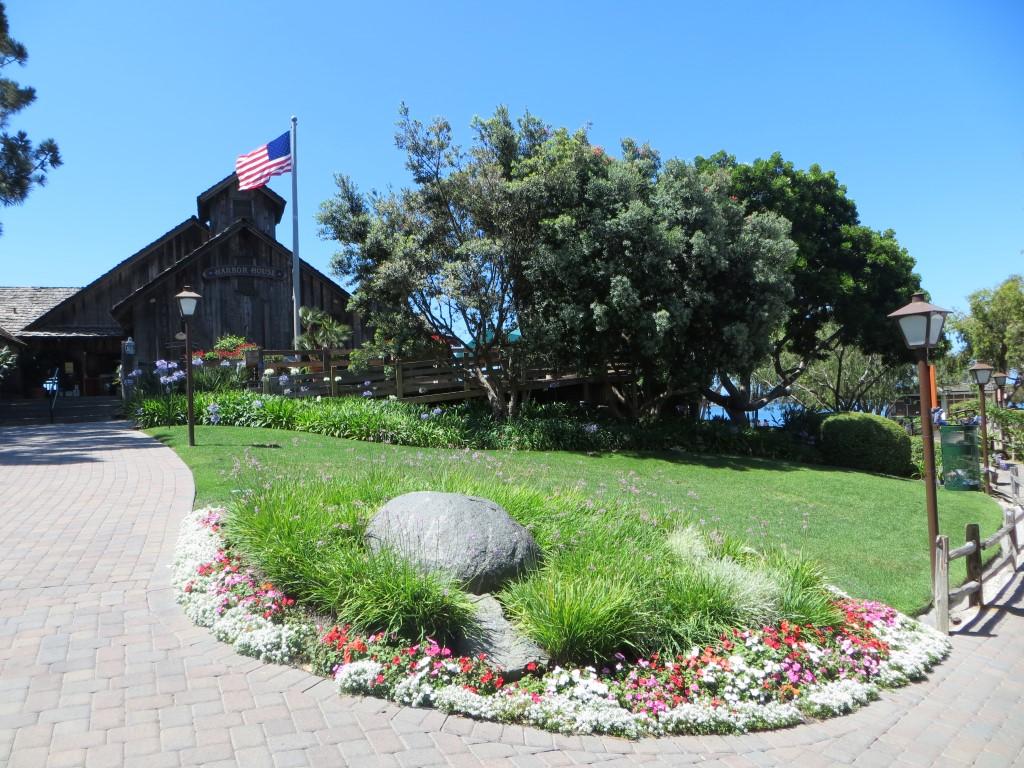 Das idyllische Seaport Village im Hafen von San Diego