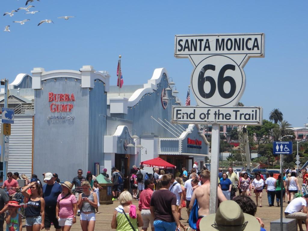 ...sowie offizieller Endpunkt der historischen Route 66