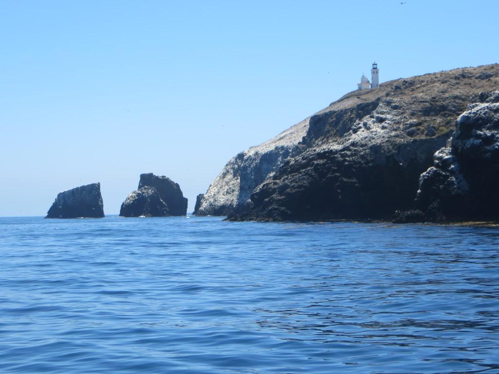 1932 wurde wegen eines schweren Schiffsunglücks der bis heute bewohnte Leuchtturm erbaut